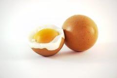 壳煮沸的鸡蛋 免版税库存图片