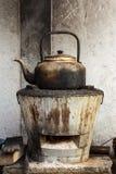 水壶在厨房里。 库存图片
