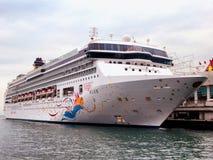 处女座在维多利亚港的游轮 免版税库存图片