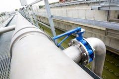 水处理厂管道系统 图库摄影
