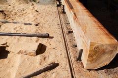 处理树干的木磨房 库存图片
