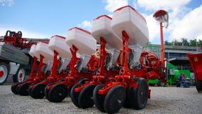 处理的农业耕地机土地 耙,农业 免版税图库摄影