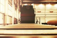 处理的喷射清理机器金属板和外形 免版税图库摄影
