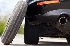 备用的轮胎平衡避免汽车 库存图片