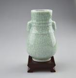 复制品古老花瓶 免版税图库摄影