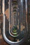 复发的隧道高架桥 免版税图库摄影