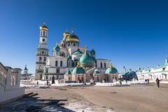 复活大教堂在17世纪的新耶路撒冷修道院里 Istra,莫斯科郊区,俄罗斯镇  图库摄影