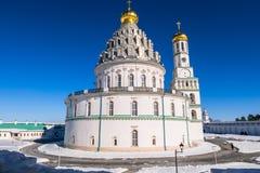 复活大教堂的西南门面在17世纪的新耶路撒冷修道院里 Istra,莫斯科郊区,俄罗斯 免版税库存照片