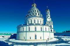 复活大教堂的西南门面在17世纪的新耶路撒冷修道院里 Istra,莫斯科郊区,俄罗斯 免版税图库摄影