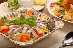 复活节与柠檬垂度的鲱鱼沙拉 免版税图库摄影