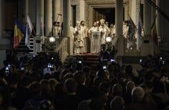 复活节在布加勒斯特家长式大教堂的光队伍 库存图片