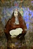 复活节女王妇女和白色兔子 免版税库存图片
