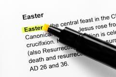 复活节显示了文本黄色 免版税库存图片