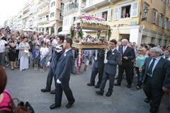 复活节的街道游行在科孚岛海岛上  库存照片