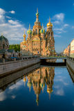 复活圣彼德堡的教会 免版税库存照片