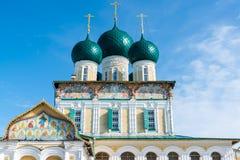 复活大教堂在Tutaev,俄罗斯 金黄圆环旅行 库存照片