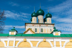 复活大教堂在Tutaev,俄罗斯 金黄圆环旅行 库存图片