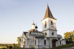 复活教会在Tarusa 俄国 免版税库存照片