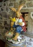 复活节兔子雕象, Gruyeres,瑞士 库存照片