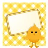 复活节小鸡和标志在方格花布 免版税库存图片