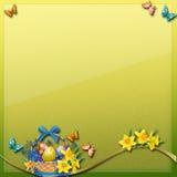 复活节彩蛋, butterlfy &花在绿色黄色背景 皇族释放例证