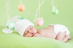 复活节新出生的女婴 免版税库存照片