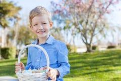 复活节时间的男孩 免版税库存照片