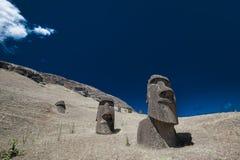 复活节朝向海岛moai 图库摄影