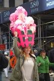 复活节游行和复活节帽子节日 免版税库存图片
