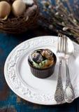 复活节的餐位餐具 免版税库存图片