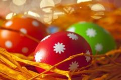 复活节背景-色的鸡蛋 免版税库存图片