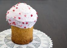 复活节蛋糕是一个基督徒假日春天和温暖 免版税库存照片