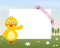 复活节逗人喜爱的小鸡水平的框架 免版税库存照片