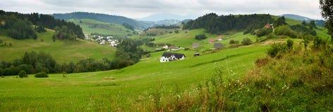 夏令时农村风景横幅,全景-区Dolny Kubin,斯洛伐克 库存照片