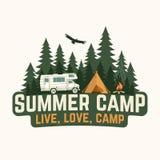 夏令营 也corel凹道例证向量 衬衣的概念或商标、印刷品、邮票或者发球区域 图库摄影