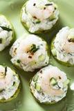 夏南瓜、黄瓜和虾开胃菜 免版税库存图片