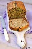 夏南瓜大面包蛋糕用葡萄干 免版税图库摄影