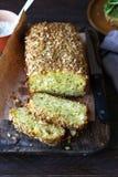 夏南瓜面包用乳酪 免版税库存照片
