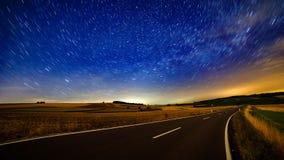 夏夜天空和北极星 免版税库存照片