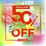 夏天与热带棕榈leaves_26的销售背景 免版税库存图片