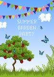 夏天与苹果树、草、蝴蝶、云彩、天空、旗子和文本的游园会海报 库存例证