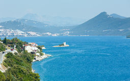 夏天海海岸线视图(克罗地亚) 免版税库存照片