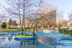 夏天公园在海滨公园在布尔加斯在12月,保加利亚 库存图片