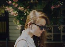 夏天听的使变冷的连接音频概念 库存照片