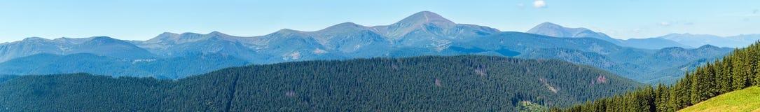夏天喀尔巴阡山脉的山景,乌克兰 免版税库存照片