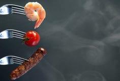 夏天在叉子的烤肉成份 免版税库存照片