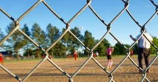 夏天垒球 免版税图库摄影