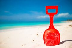 夏天孩子的在沙子的海滩玩具 免版税库存照片