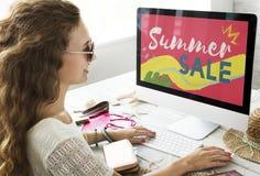 夏天推销活动折扣银行业务出售概念 库存图片
