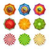 夏天放松的沙滩伞的顶视图图片 五颜六色的在白色的传染媒介集合孤立 库存图片